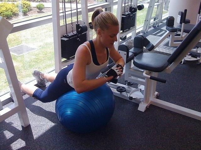 esercizio fitball