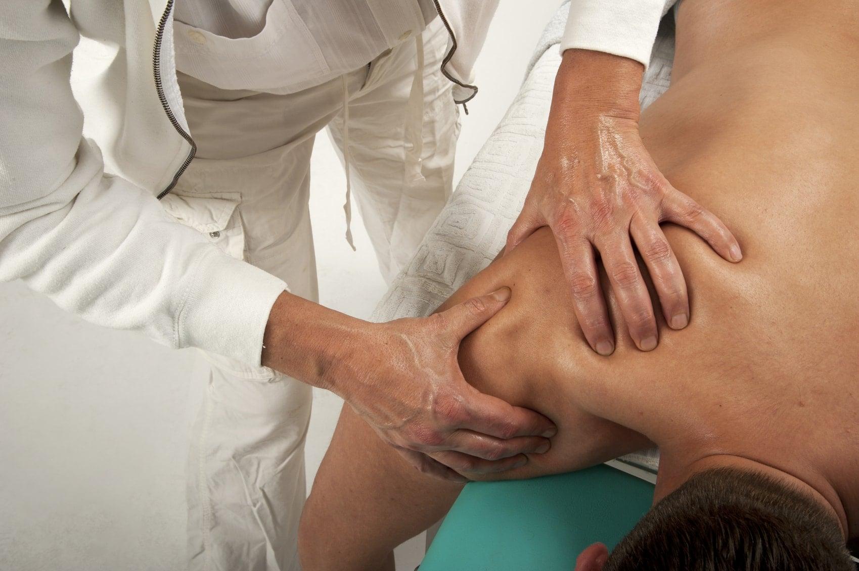 Massaggio alla spalla